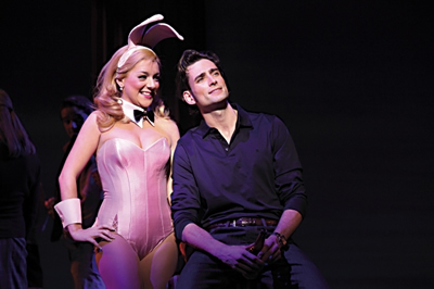 http://www.legallyblondethemusical.com/wp-content/uploads/2017/05/Legally-Blonde_3.jpg
